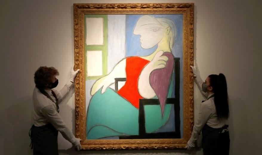 Picasso'nun 'Pencerenin yanında oturan kadın' tablosu 103 milyon dolara satıldı!